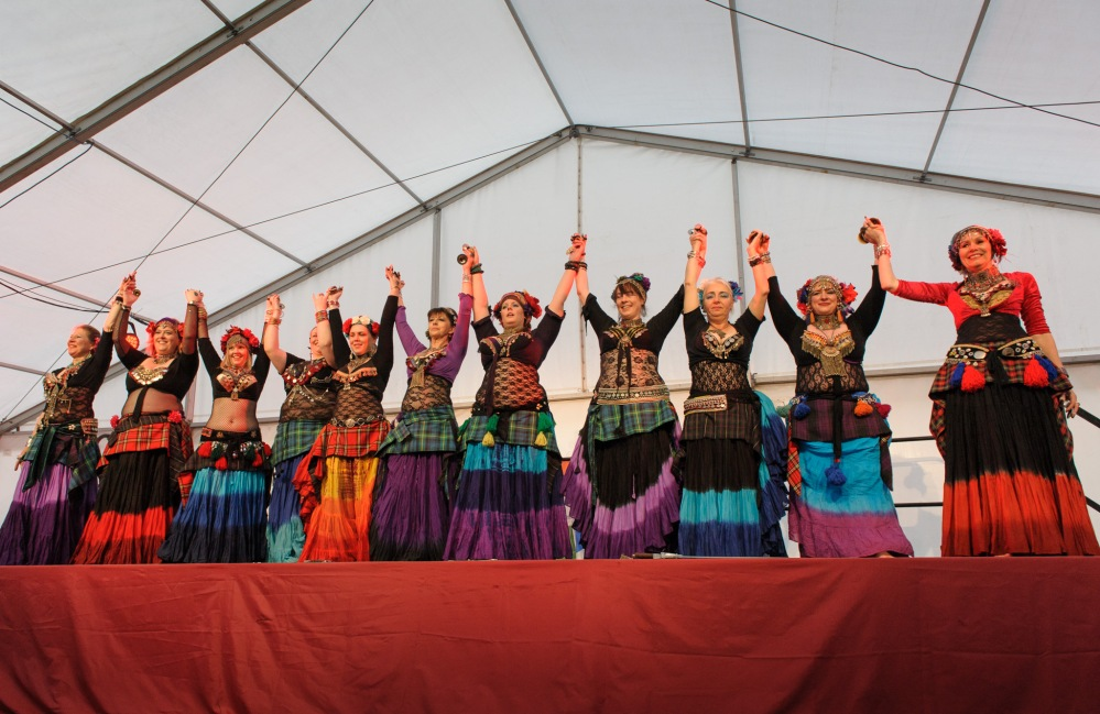 Assembly instructions for  year 2012 of Tribal Dance